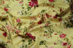 ткань вискоза с гортензиями и розами сорочечная вискоза цветы желтая Италия