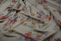 ткань лен с акварельными цветами костюмно-плательная лен цветы бежевая Италия