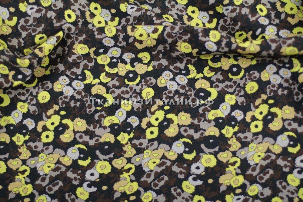 ткань креповая вискоза с мелкими цветочками креп вискоза цветы черная Италия