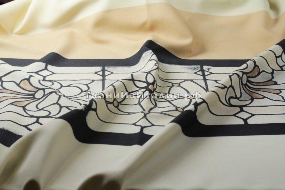 ткань Шерсть купоном Александр Маккуин костюмно-плательная шерсть цветы белая Италия